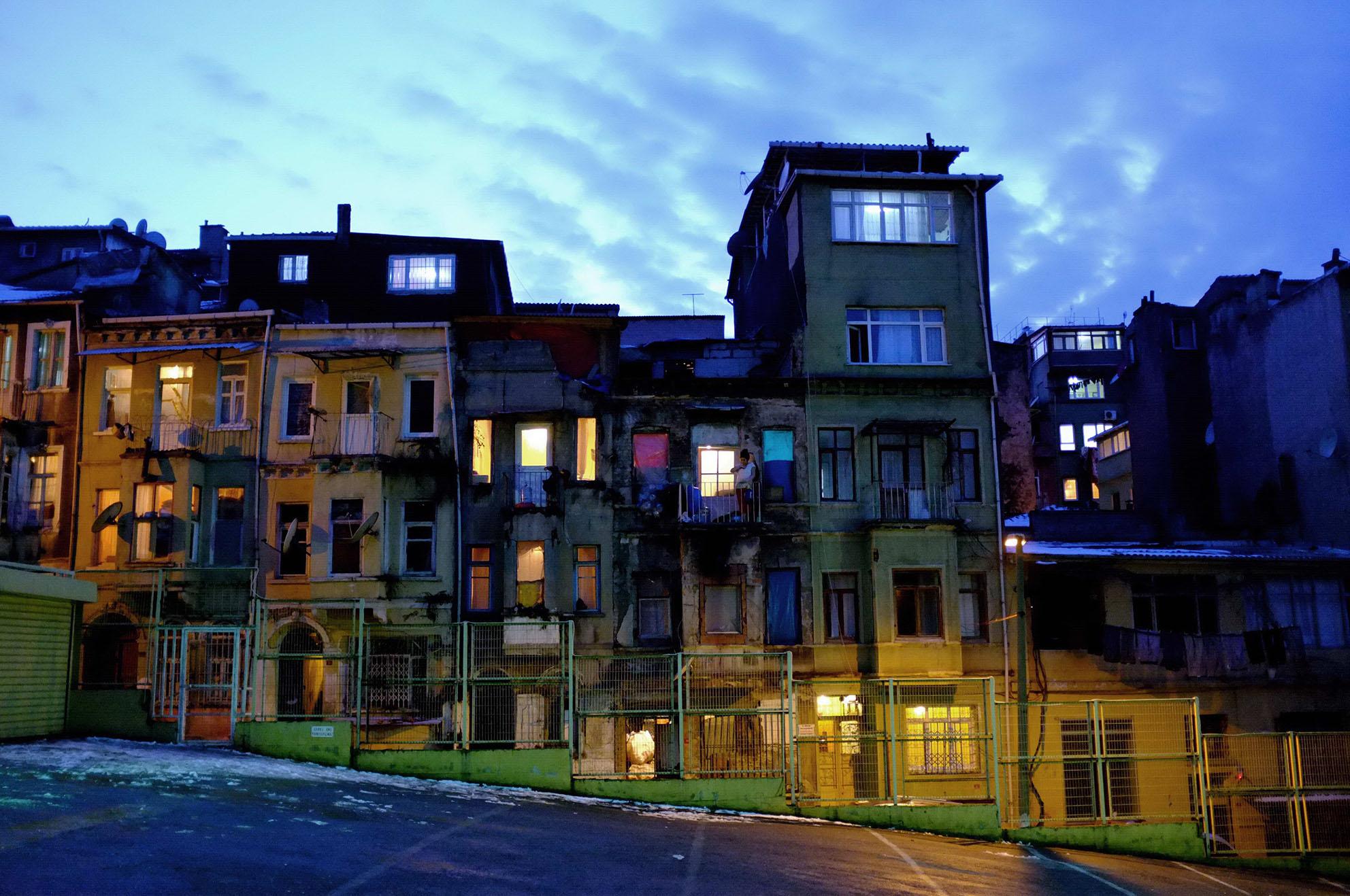 Ayıp-Şehir-1.jpg